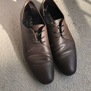 Men's Saffiano chocolate leather lace up shoe